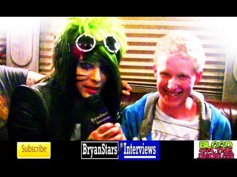 is dahvie vanity dating jayy Jayy is not the sweet guy you think he is not only does he stand by and witness dahvie take advantage of young girls and do nothing, he's extremely racist.