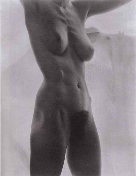 Alfred Stieglitz (1864 - 1946) - Georgia O'Keeffe,Torso, 1919