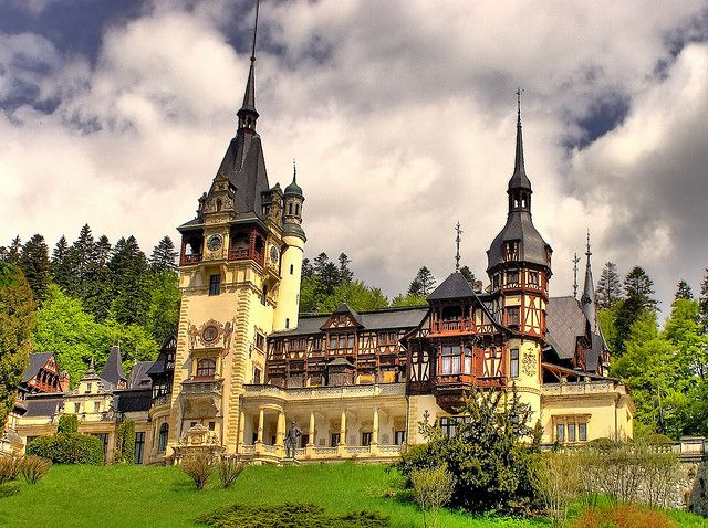 Peles Castle is a Neo-Renaissance castle placed in an idyllic setting in the Carpathian Mountains, near Sinaia, in Prahova County, Romania, on an existing medieval route linking Transylvania and Wallachia, built between 1873 and 1914.