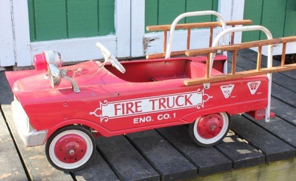pedal fire truck 1950 39 s what fun rad retro styles pinterest. Black Bedroom Furniture Sets. Home Design Ideas