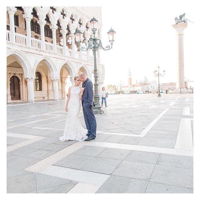 Eines meiner Lieblingsbilder aus unserem Hochzeitsshooting!#wedding#venedig#aferwedding#photography#love#nicetime#instagood#photooftheday