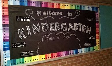 Back to School Chalkboard Bulletin Board from #SimplyKinder  Great for Kindergarten!
