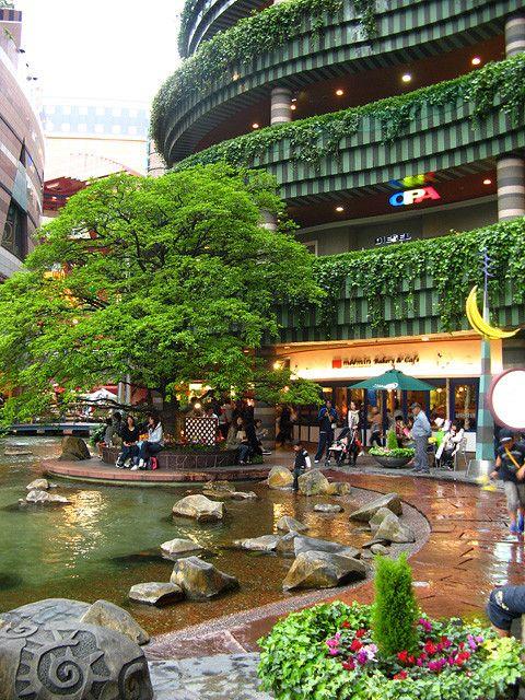 Canal City Hakata, Jerde Partnership | landscape, density