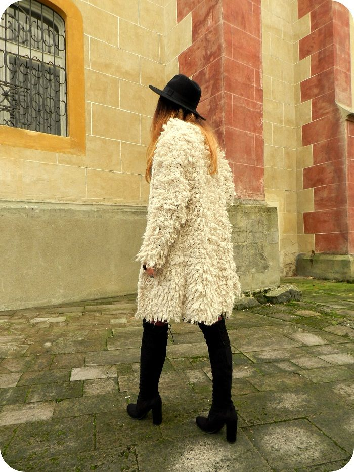 Over The Knee boots  street style hat  boho