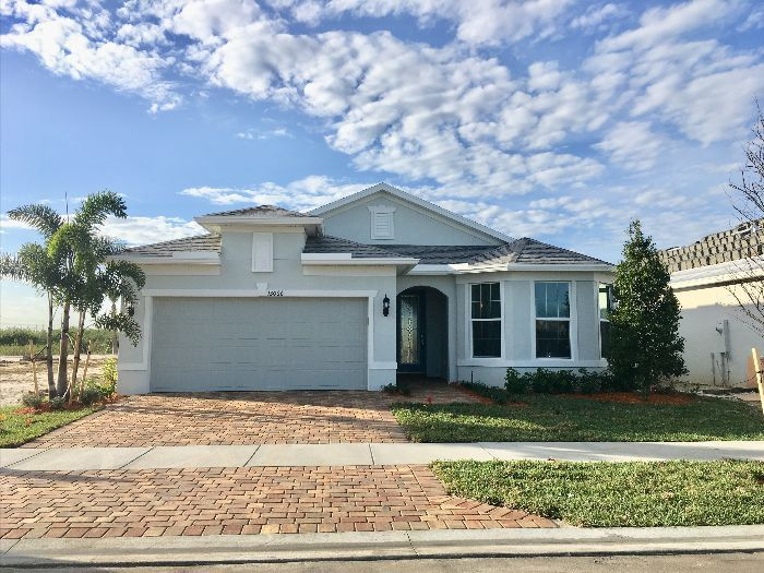 Thinking Of Port St Lucie 55 Community Port St Lucie 55 Portstlucie Florida Realestate Home Newhome Stluci Florida Real Estate Real Estate Pool Shade