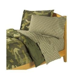 Want to design a classic green camo bedroom? We got you covered! No camper, military junkie or boy scout could resist this camouflage bedding...