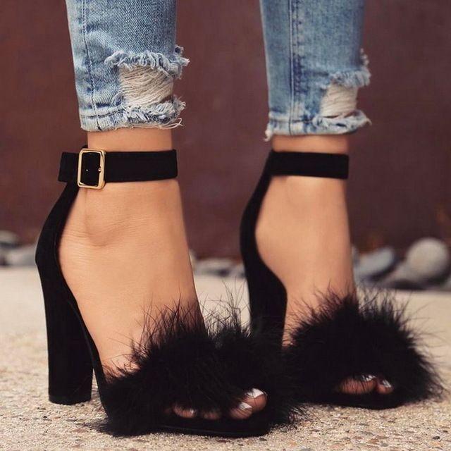 Lala IKAI/2017 Ремешок на щиколотке сандалии с мехом модные замшевые высокий каблук женские босоножки Туфли телесного цвета Летняя обувь сандалии для вечеринок C0759-4