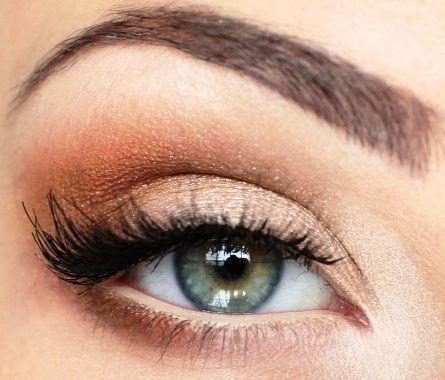 How To Apply Soft And Natural Eye Makeup Tutorial   AmazingMakeups.com