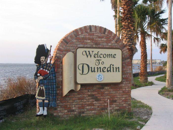 800px-DunedinWelcomeSign