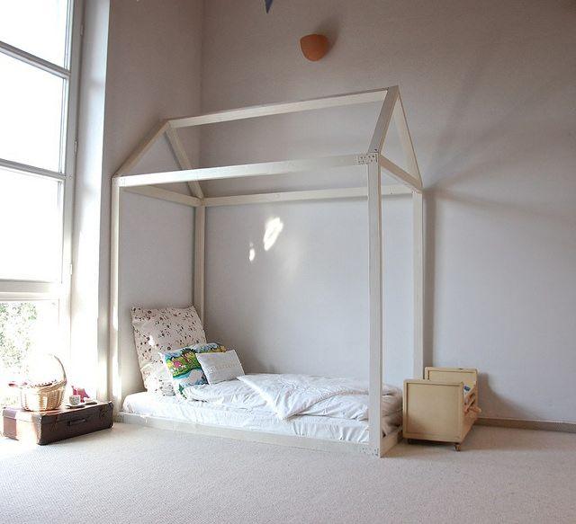 die besten 25 hausbett kind ideen auf pinterest pinkes kinderbett kinder betten mit. Black Bedroom Furniture Sets. Home Design Ideas