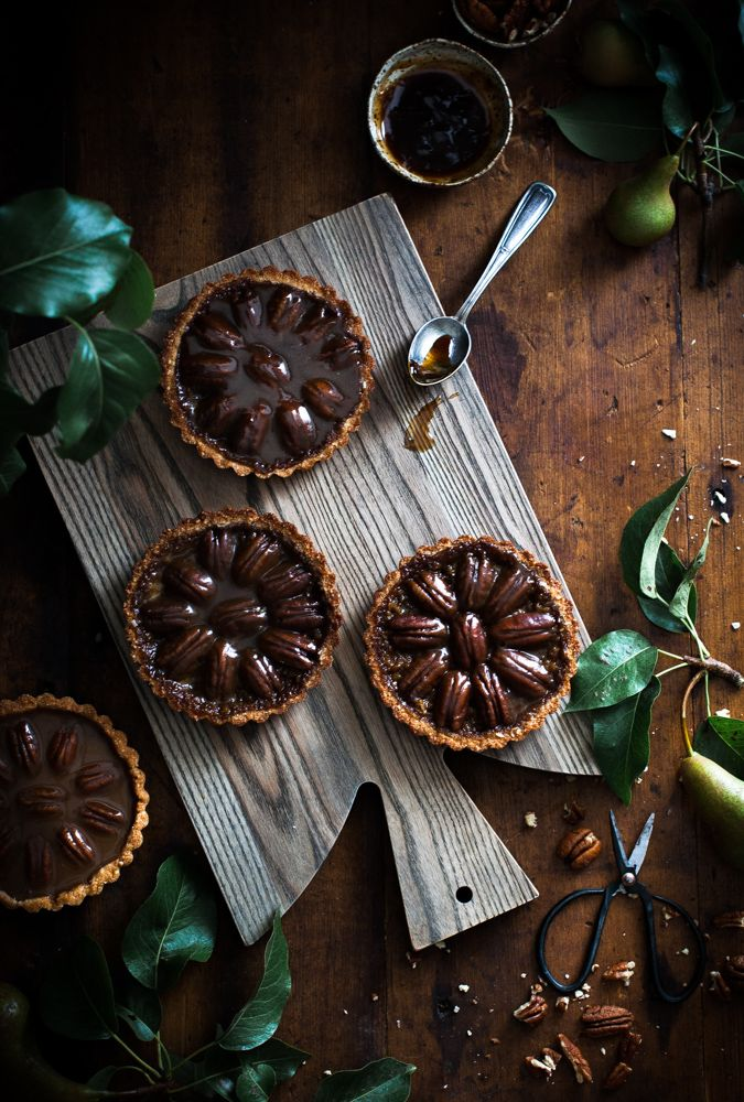Pecan + Chocolate & Caramel Coconut Shortbread Tarts (Gluten free, grain free, dairy free, refined sugar free, paleo and vegan)