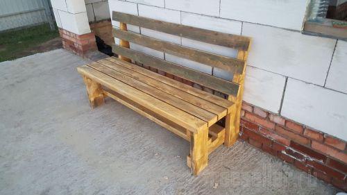 Самодельная скамейка со спинкой