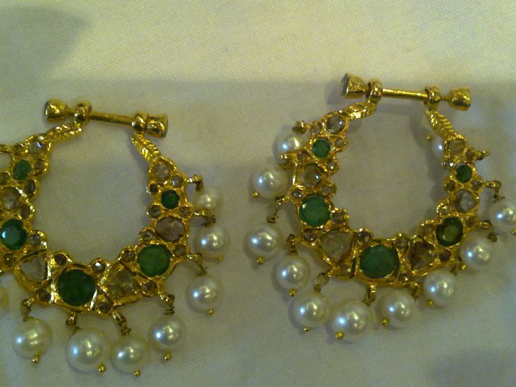 chand balis in emeralds and polki