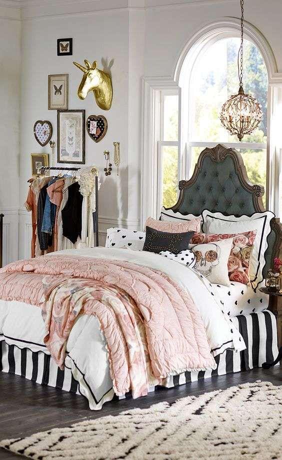 Camera da letto in stile parigino - Camera stile parigino moderna