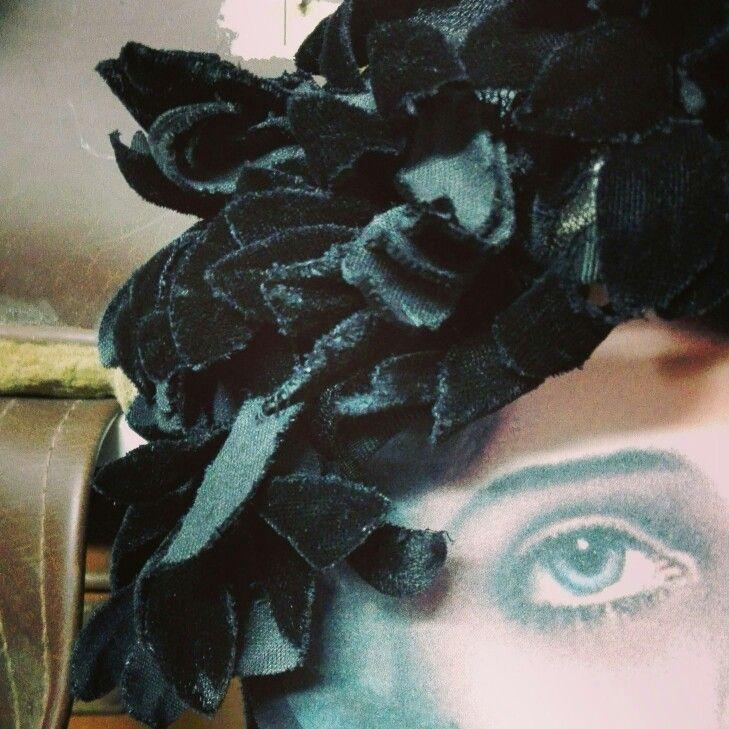 Velvet hat det. 1959 ca From our #FashionArchives ❣🕸❣🕸❣🕸❣🕸❣🕸❣🕸❣🕸❣ #fashionmuseum #fashionhistory #museodellamoda #igerspuglia #igersitalia #photography #photo #vintage #vintagehat #fashion #storiadellamoda #makeup #beautiful #fotografia  #historyoffashion