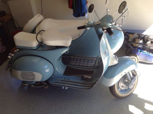 Vespa-Scooter-with-side-cart-fully-restored-RARE