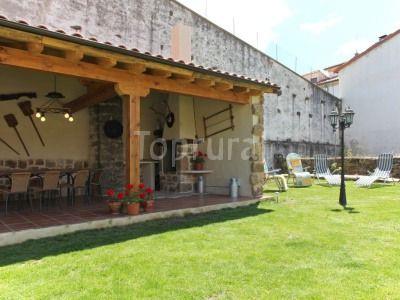 De tejado y vigas de madera con tejado de madera y tejas - Tejados para pergolas ...