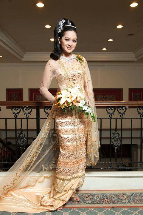 Burmese traditional wedding dress (Myanmar)
