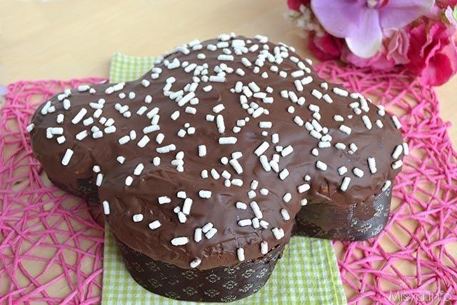 Colomba al cioccolato, scopri la ricetta: http://www.misya.info/2015/03/29/colomba-al-cioccolato.htm