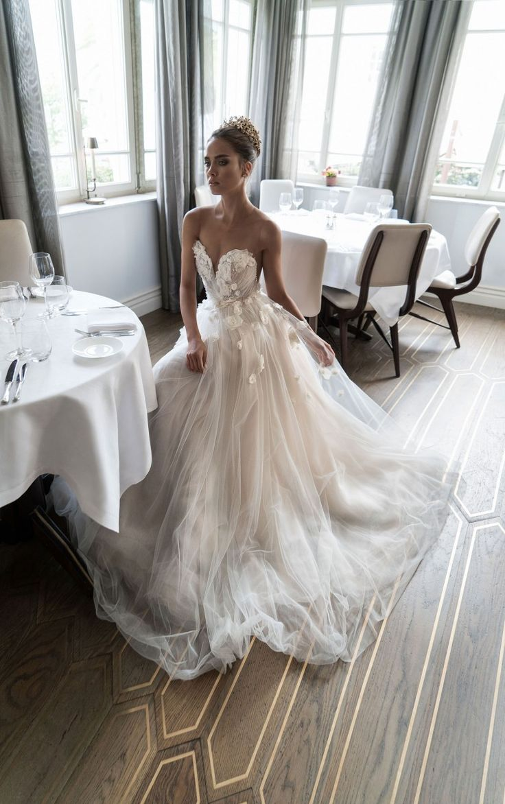 Best 25 beautiful wedding dress ideas on pinterest for A pretty wedding dress
