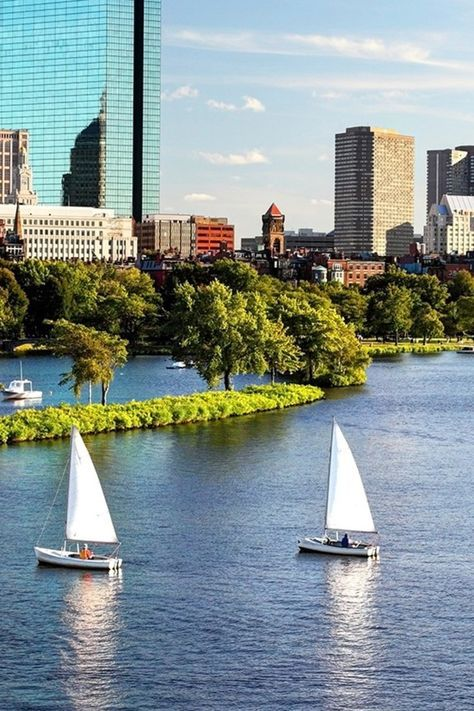 43 Things to Do for Free in Boston - Boston has plenty of freebies for penny-pinching students, from its top-notch art museums to grand historical landmarks. And as travelers we get to reap the benefits. Local JS correspondent Sarah Pascarella gives us a tour of Beantown on a budget.