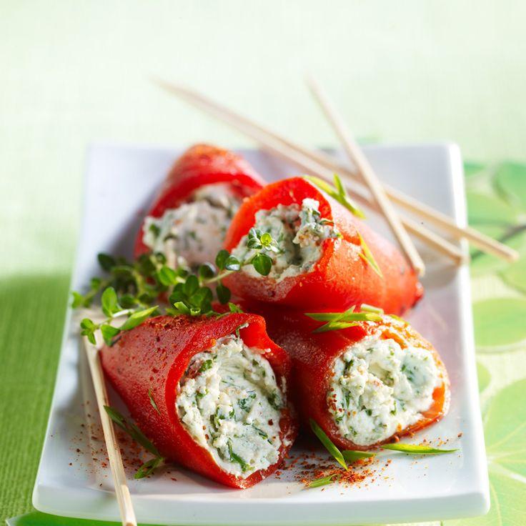 Découvrez la recette Piquillos au chèvre frais sur cuisineactuelle.fr.