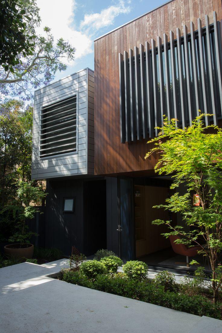 """Timber and tin"" - contrasting contemporary facade materials in Birchgrove"