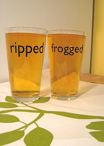 Beer and Knitting Crossover: Frogged Ripped Glasses, Beer Glasses, Frogs Knits, Pints Glasses, Favorite Glasses, Ravelry Com, Frogged Ripped Pints, Crochet Ravelry, Ravelry Knits