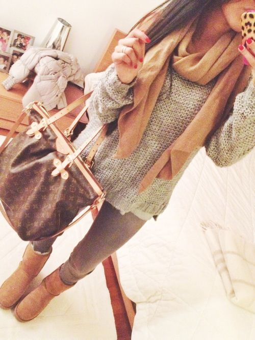 Fall Outfit - Sweater - Scarf - Leggings - Boots