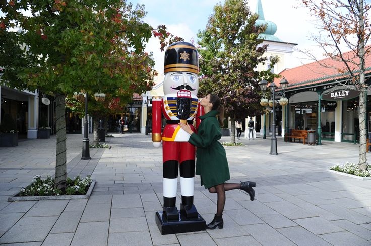 Blow somebody a kiss at Christmas. What about a nutcracker at Designer Outlet Parndorf?! #DesignerOutletParndorf