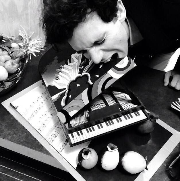 Mika's french fan gift!