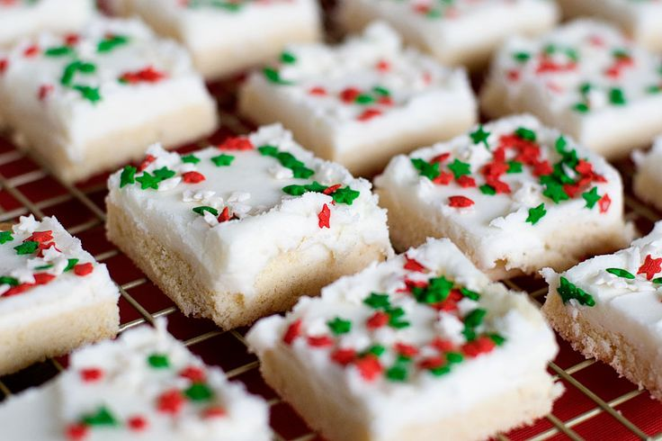 Sugar Cookie Bars - although change out toppings and good for any holiday