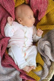 Knitted Madeline Tosh blanket, blogged at Schatzi's knits: Stripes make me happy