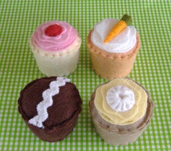 Play Food -- Felt Cupcakes