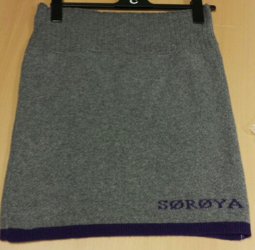 Skirt made from soft thick non itchy wool. Sørøy Design.