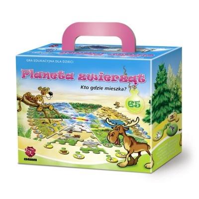 Gra edukacyjna polegająca na właściwym ułożeniu wszystkich puzzli według pasującego kształtu, koloru i przedstawionego wzoru. Mapa różnych zwierząt i miejsc ich zamieszkania została podzielona na wiele mniejszych elementów.WIEK: 4-7 lat