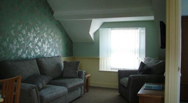 Glenholme Apartment - #Apartments - $79 - #Hotels #UnitedKingdom #Tenby http://www.justigo.ws/hotels/united-kingdom/tenby/glenholme-apartment_186006.html