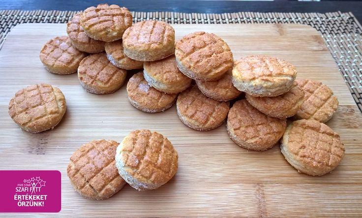 Krumplis pogácsa helyett paleo paszternákos pogácsa (gluténmentes, csökkentett szénhidráttartalmú, paleo pogácsa recept)         Paleo paszternákos pogácsa    RECEPT:         Hozzávalók (35 db):  60 g Szafi Fitt sós nyújtható sütőliszt(paleo sós nyújtható sütőliszt ITT!)