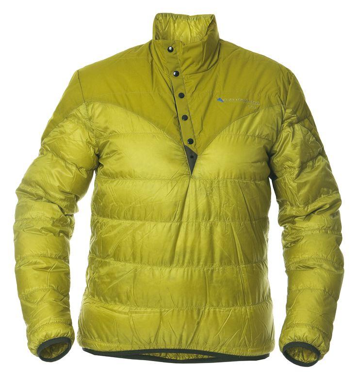 Liv Sweater(リブセーター)欧州諸国では絶大な人気を誇る人気ダウンジャケット。プルオーバータイプで軽量+携帯性優れており、300gを切る軽さが特徴。最小限のパーツで構成され、胸部インナーポケットに丸めてパッカブルに持ち運べます。重量はわずか約290gながらフィルパワー800+(US規格)と非常に高品質で保温性高く、表面は耐久性のある、軽くて柔らかいリップストップナイロンを採用することで、アウターとして、また2ndレイヤーとしても大活躍。肩はシェルに耐久性のあるストレッチ素材で補強しています。