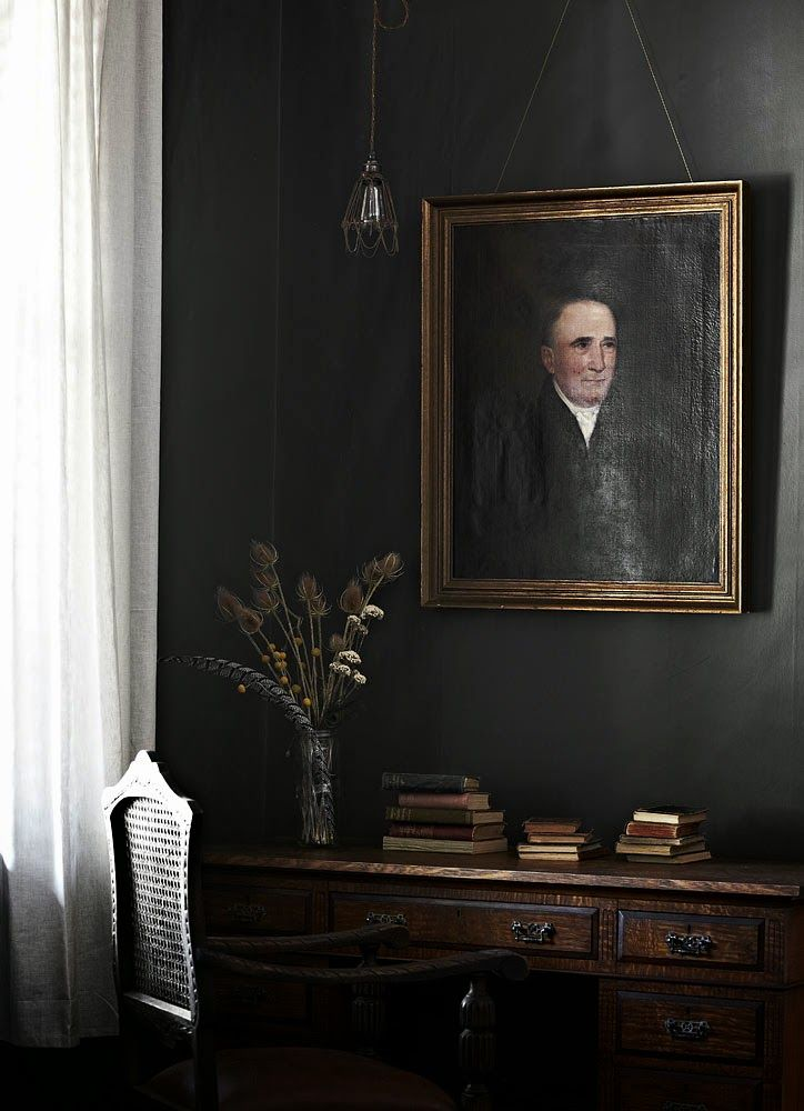 Black Decor   A fabulous grey Australian holiday home. Tracie Ellis.