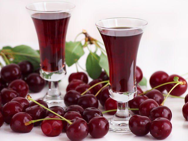 Хмельные сладости: 7 рецептов ягодных настоек