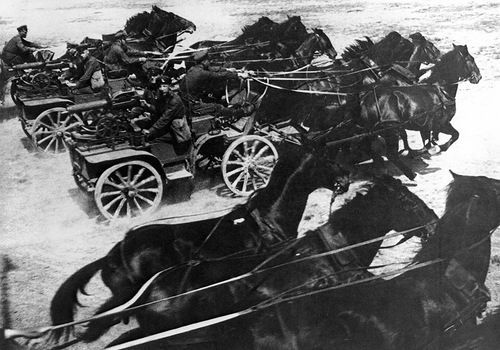 Russian Army and Red Army Horse drawn wagons and carts ... Пулеметная Тачанка