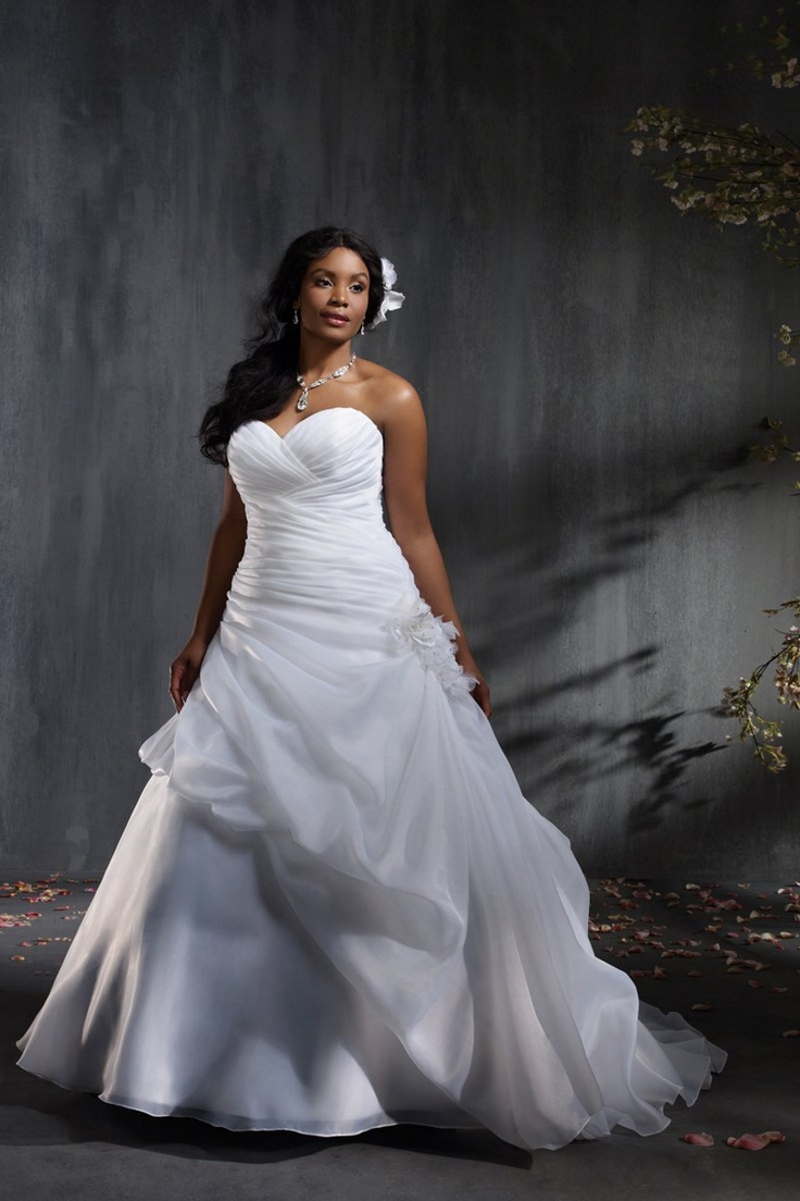 37 best Wedding Dresses images on Pinterest   Wedding bridesmaid ...