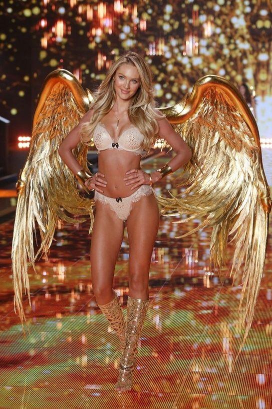 Candice Swanepoel http://www.vogue.fr/mode/news-mode/diaporama/le-defile-victoria-s-secret-2014-angels-show/21417/image/1117403#!le-defile-victoria-039-s-secret-2014-candice-swanepoel
