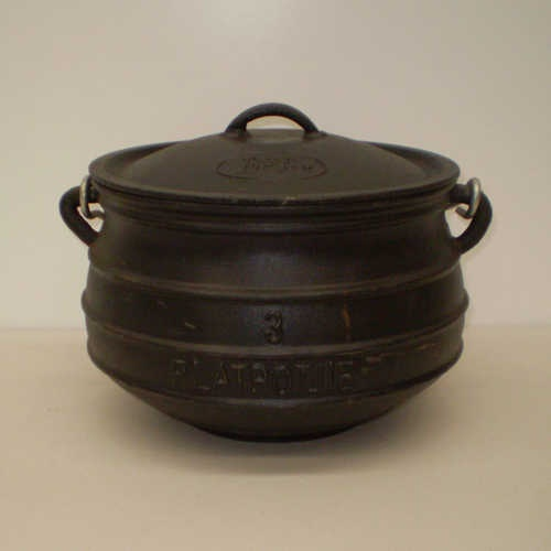 Cast iron pot No.03  Our range of   potjie's have only a   protective layer of   vegetable oil on the inside   to prevent oxidation   during storage.   To prepare for   cooking the ... more info  $135.00