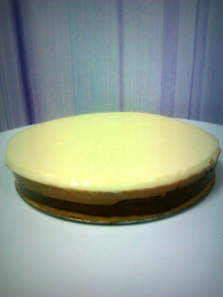 Comenzamos la tarde con una tarta a 3 chocolates!!!