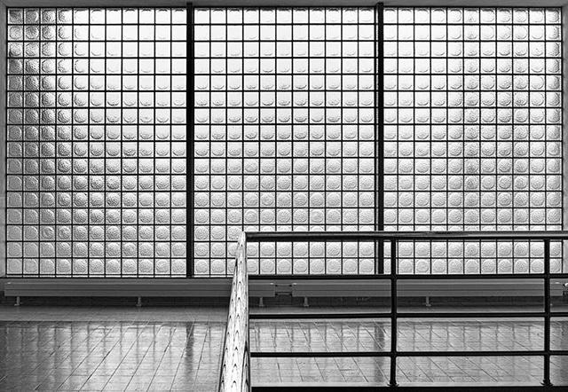 Jan Gravekamp : 'Zwaardstraat 16′ Series (Photography)