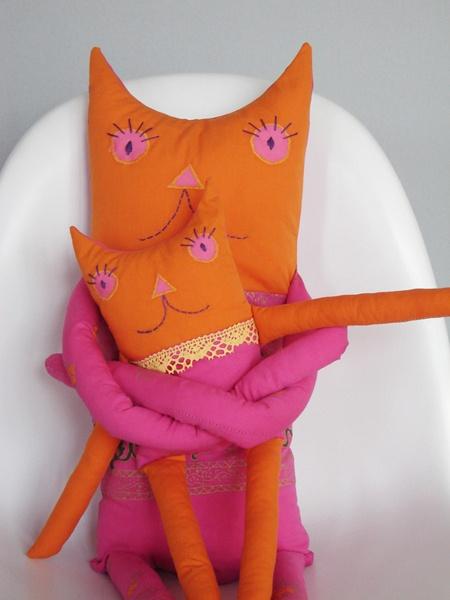 muñecos gatos