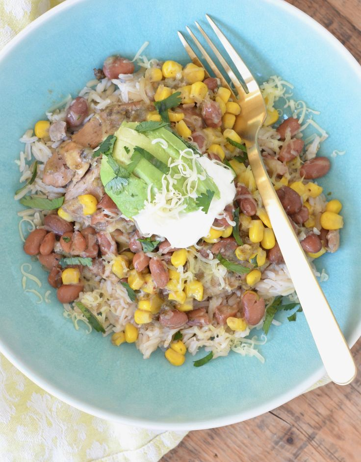 No pre-cooking? No chopping? You know you want to make this easy-peasy slow cooker green salsa chicken for your family tonight! (Double it for leftovers!)