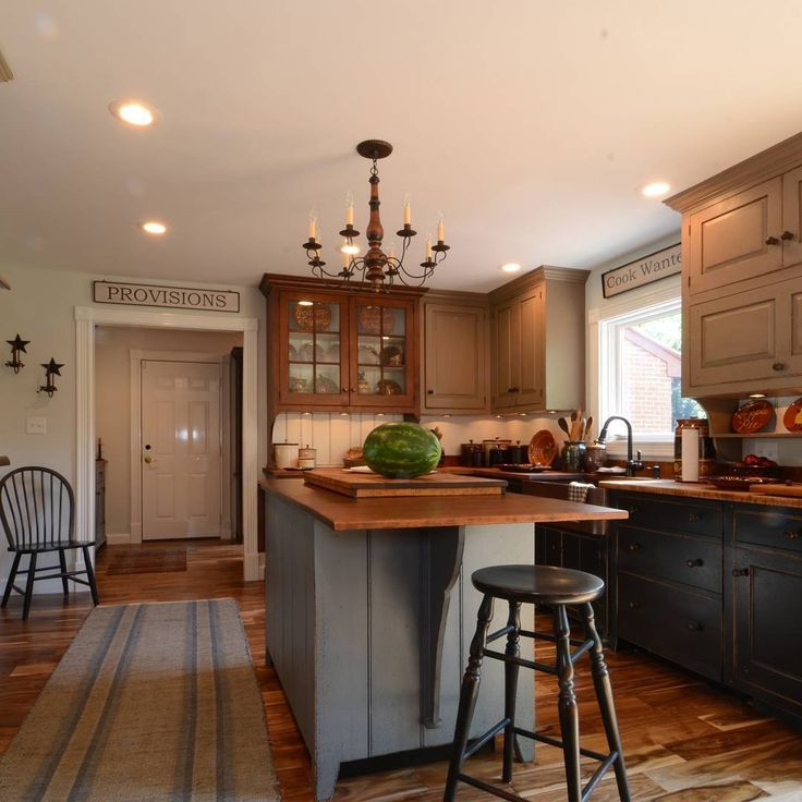 find this pin and more on early american colonial and primitive kitchens - Colonial Kitchen Ideas